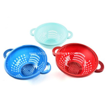 Kitchen plastic colander in Multi color